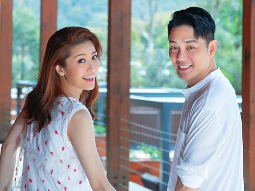 周励淇上个月宣布跟45岁中国男演员傅浤鸣结婚。