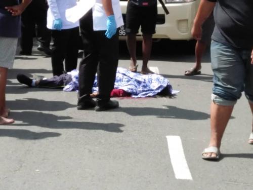 死者被巴士辗死,当场毙命。