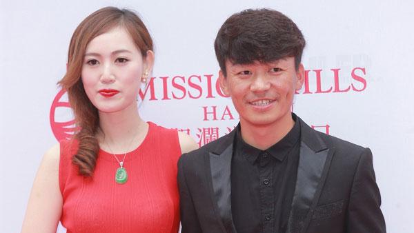 王宝强(右)与马蓉的离婚争产官司缠斗2年后终结束。