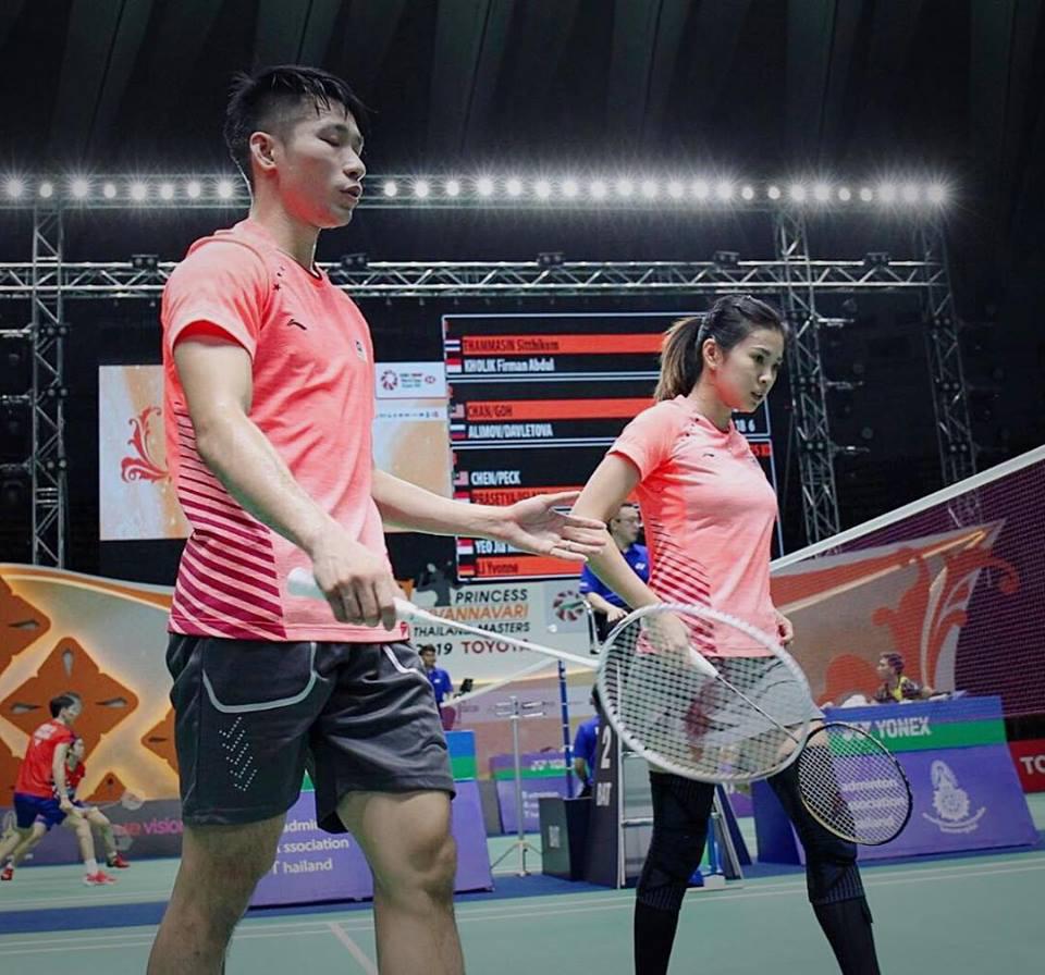 陈炳顺(左)与吴柳莹半决赛报捷,有望蝉联泰国大师赛冠军。(吴柳莹面子书图片)