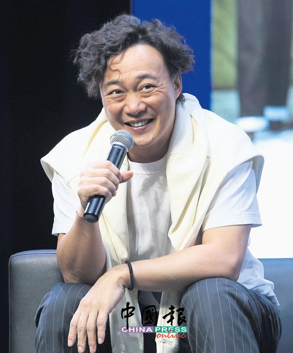 陈奕迅来马展开新专辑最后一场分享会。