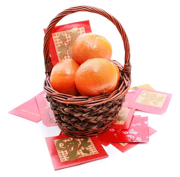 """象征""""吉祥""""的年柑是华人新年不可或缺年货,家家户户都会买来 送礼或自用,以讨个好意头。"""