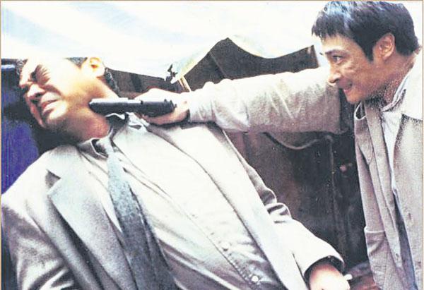 林岭东回流香港后,起用刘青云(左)、吴镇宇等炮制《高度戒备》。