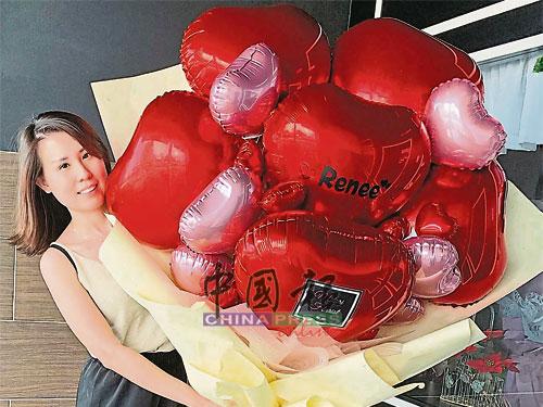 一些对花粉敏感者,都会选择购买以心形气球制成的气球花。