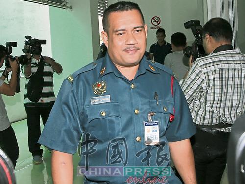 消拯局紧急医疗及拯救消拯车司机阿末沙里尔出庭供证。