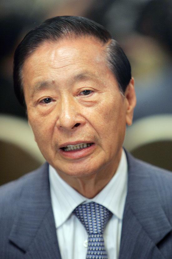 李兆基(图:彭博社)