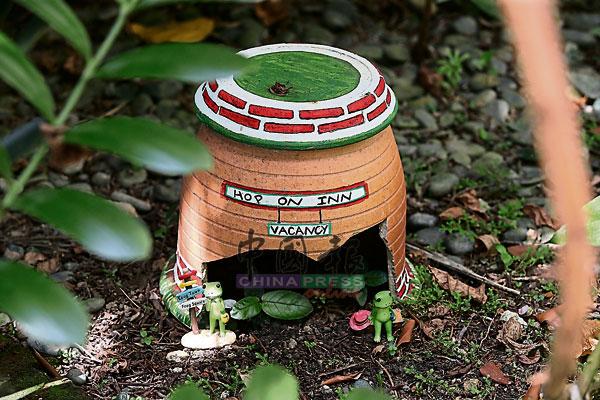 """这里有为青蛙建造的""""家"""",甚至还有昆虫的""""酒店"""",旨在营造一个完整的动物栖息地。"""
