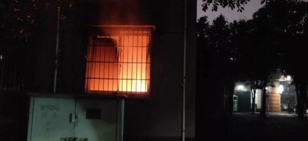 两人租住的单位在两人离开后复燃。