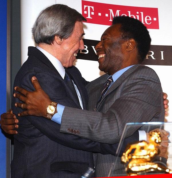 2004年,班克斯(左)与比利相见欢。(路透社)