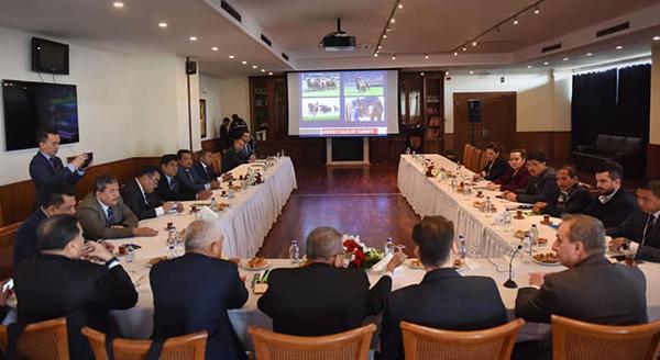 大马警队13名高级警官,和土耳其赛马公会高层进行会议。