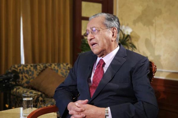 马哈迪接受《南华早报》专访谈及东海岸铁路计划。(图取自《南华早报》官网)