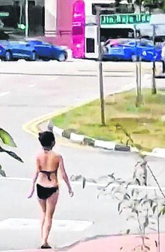 女郎穿比基尼跑步引发热议。