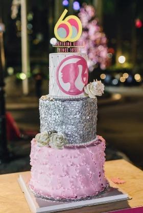 當晚活動以別出心裁的切蛋糕儀式劃下完美句點,這個獨樹一幟的60週年紀念蛋糕是由梁健怡親手設計及製作。