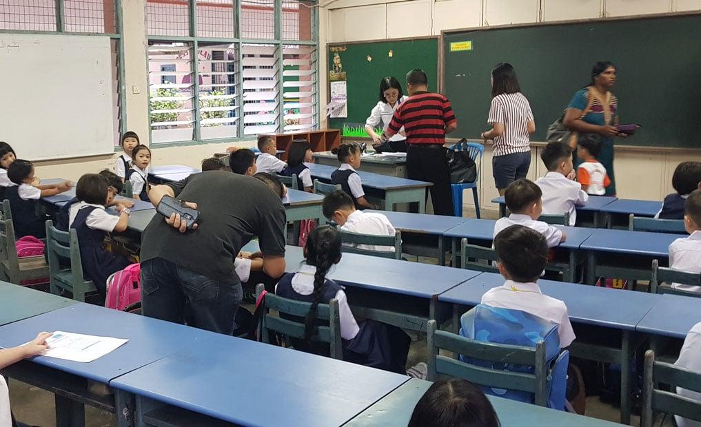 """废除考试不是荒废学习,而是让学生在免于考试压力下体验学习乐趣,家长也应该调整""""考高分即学得好""""迷思。"""