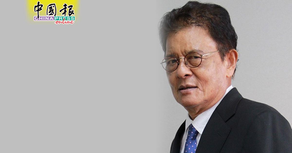 拉扎里依斯迈从担任3年的人权委员会主席职位中退下。