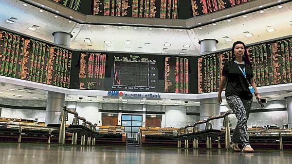 投资者担心外资大举撤离,马股再跌至逾3年低点。