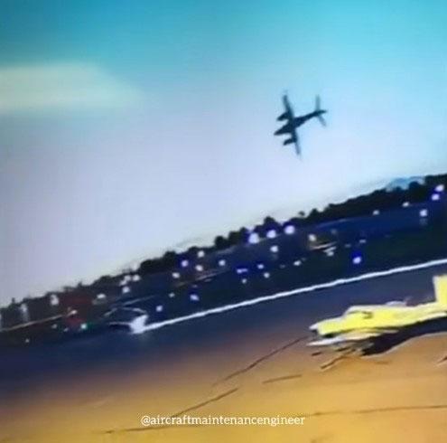 南加州飛機剛起飛就失控墜落爆炸,剛好被錄到