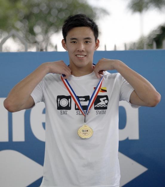 沈威胜在第一天开始的大马游泳公开赛,取得好的开始。(马新社)