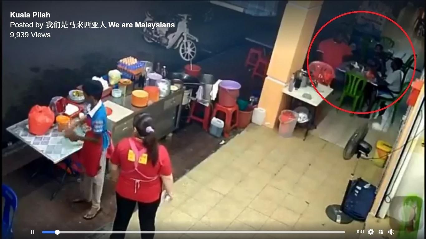 3名食客在餐馆外用餐时,突遭4名皮肤黝黑的男子持木棍攻击。