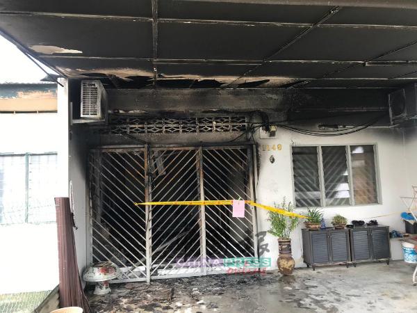 王素珍住家不知何故遭祝融光顾,屋前至客厅被焚毁。