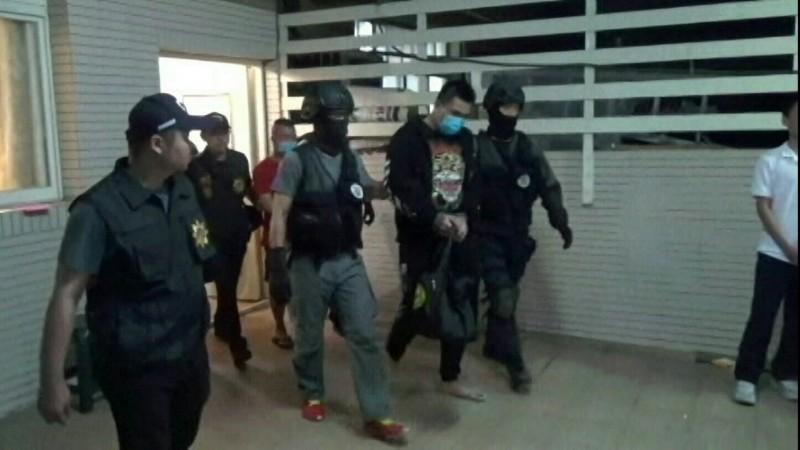警方逮捕16名爱情骗徒,主嫌等4人羁押。