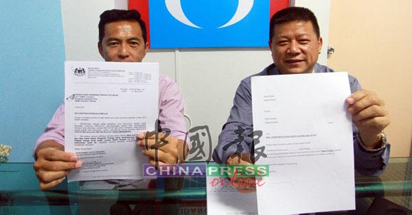 多年来以现款发薪的刘哲坚(左),向沈春祥投诉遭劳工局发出5000令吉罚单。