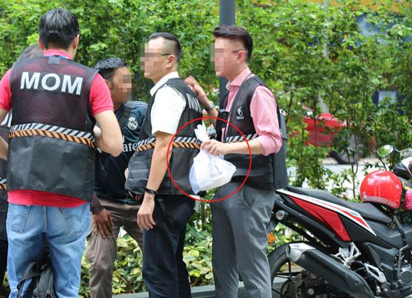 人力部展开突击行动,逮捕一名马来西亚送餐员。