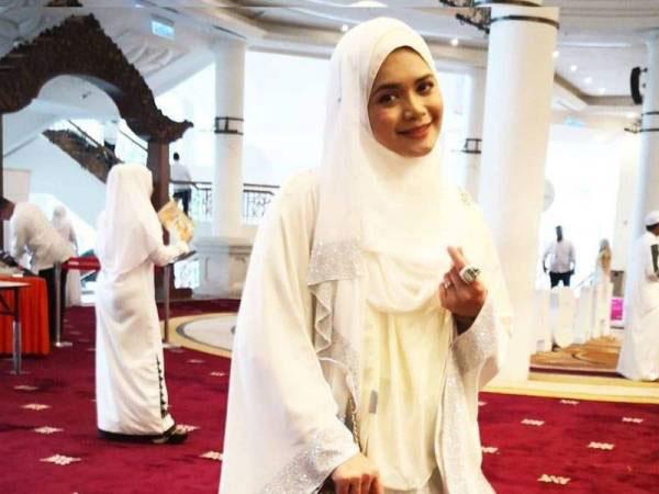马来女艺人哈雅蒂。