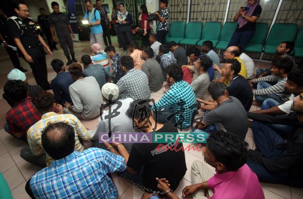 落网的印度籍人士被安置在霹州移民局,等候发落。