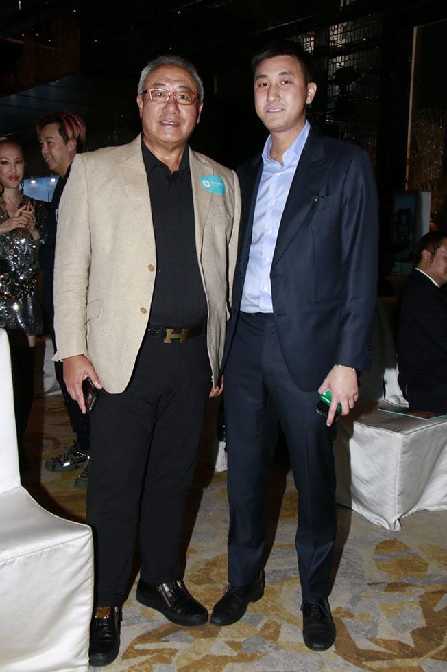 近日有传马桂烽(右)与黄心颖的姐弟恋玩完。
