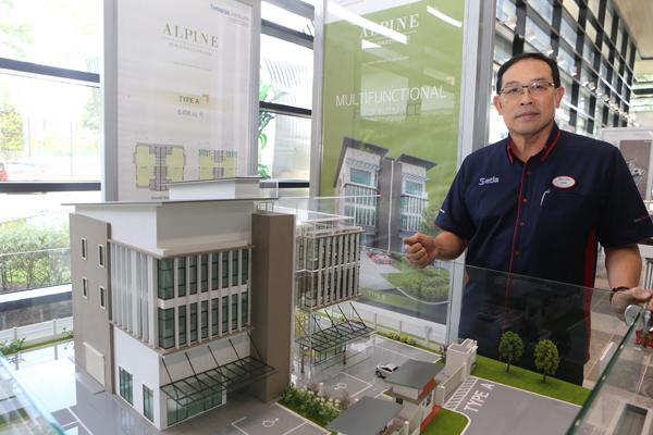 再尼尤索夫:多功能性的Alpine3层楼半独立厂房,能满足各种行 业不同性质的需求。