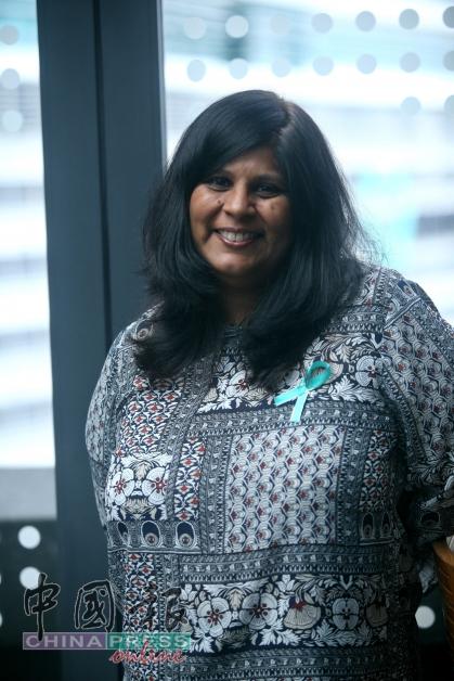 马来西亚国家癌症协会主席兼医药总监莎尔达丽医生认为,我国民众有必要提高子宫颈癌的醒觉意识,积极主动地防治子宫颈癌。