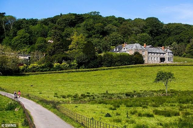 乔丹从生父查理斯承继的庄园。