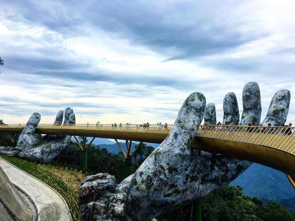 岘港的巴纳山是最夯的打卡胜地,只需从2188令吉起,便可享有超值的全包旅游体验。