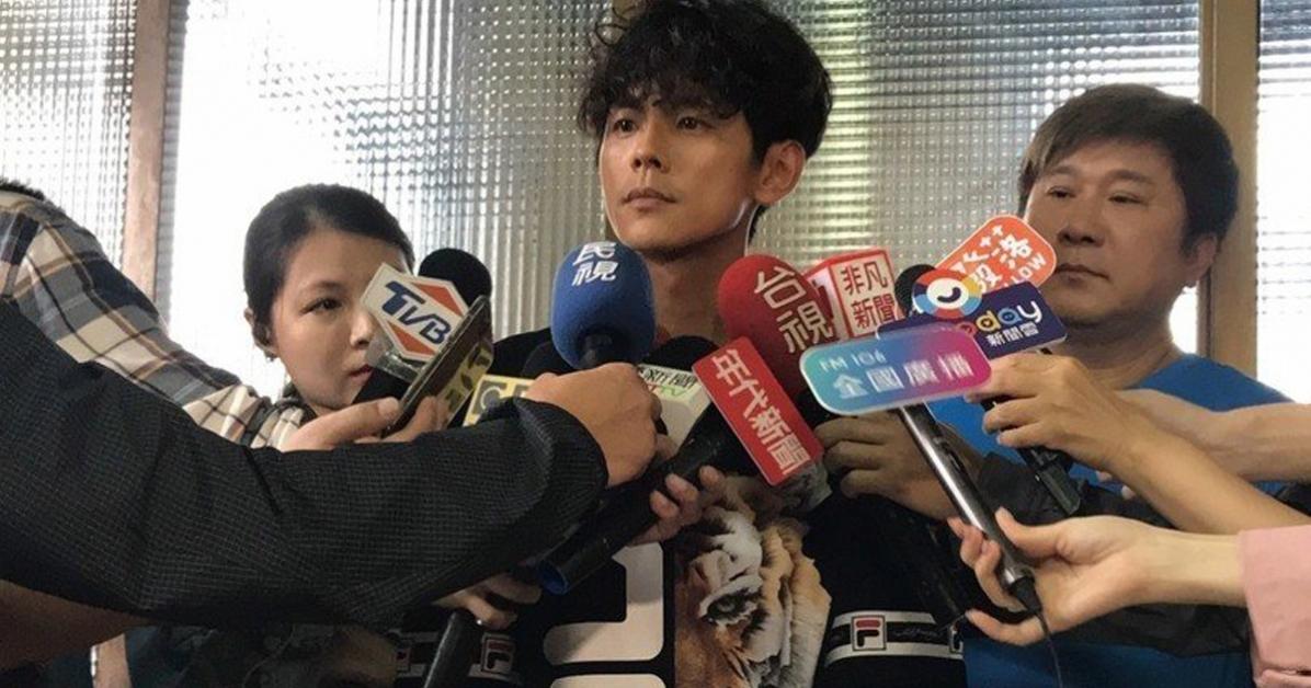 阿翔12日中午回应与谢忻不伦恋,直认自己尺度没有拿捏好。