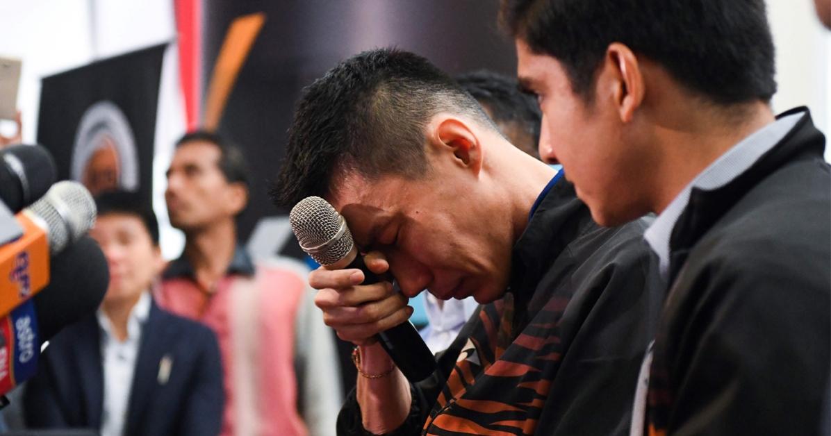 李宗伟在宣布退役时,流下了男儿泪。右为赛沙迪。(法新社)