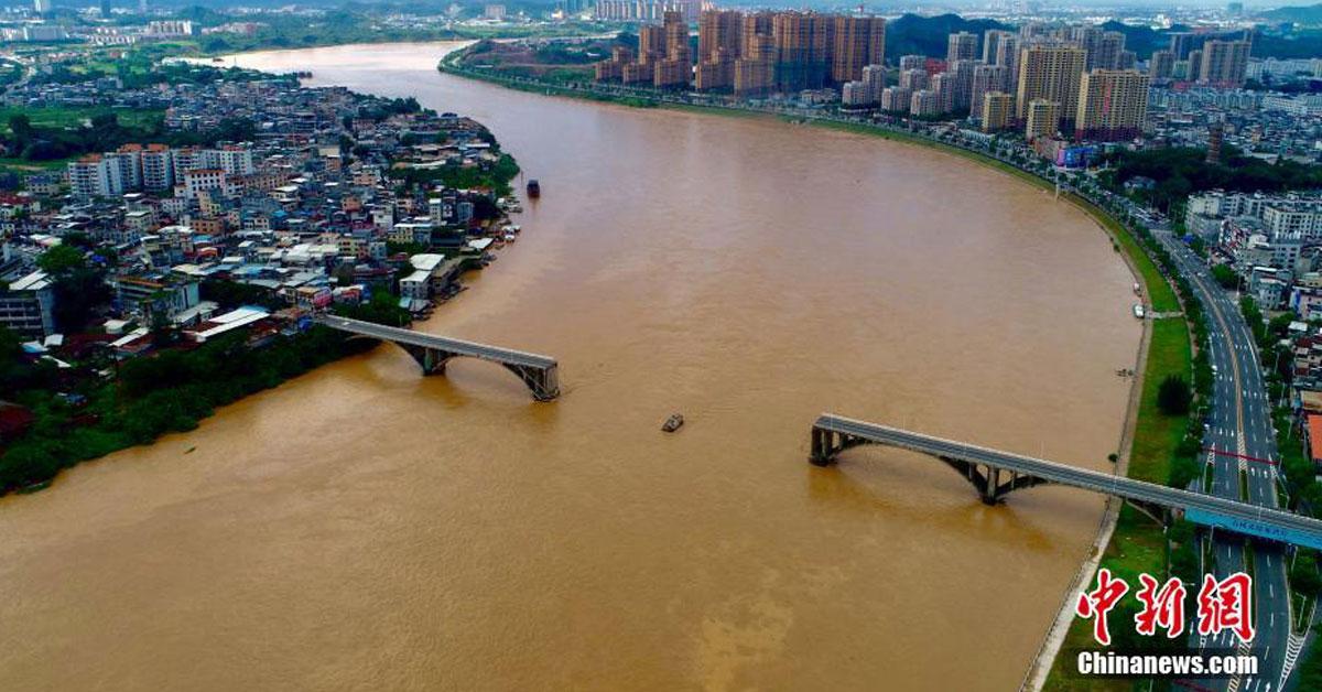 紫金桥发生坍塌。图:中新网