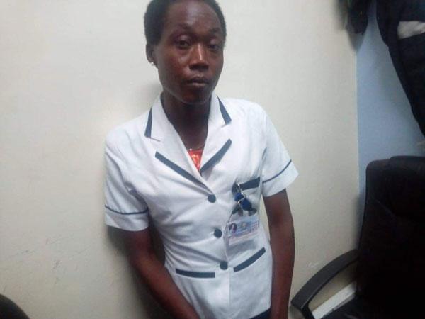 基普罗蒂奇就这样男扮女装穿上护士制服,伪造证件到医院上班。