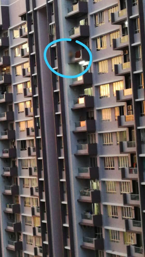 女子疑因面临压力想不开,企图从34楼高的公寓单位跳楼轻生。