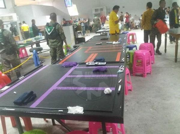 泰国警方捣毁设立在橡胶园的非法赌博集团大本营,逮捕54名赌徒被捕,包括24名大马男女。