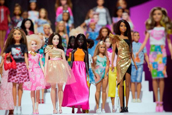 芭比娃娃。