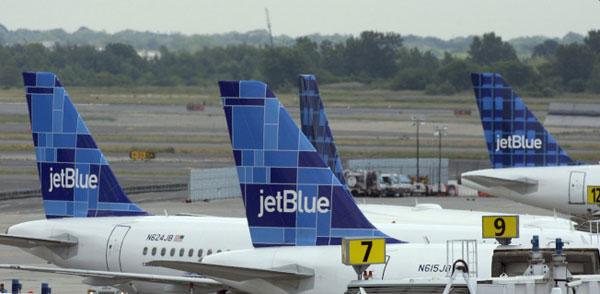 机上iPhone收诈弹图 捷蓝航空急疏散乘客