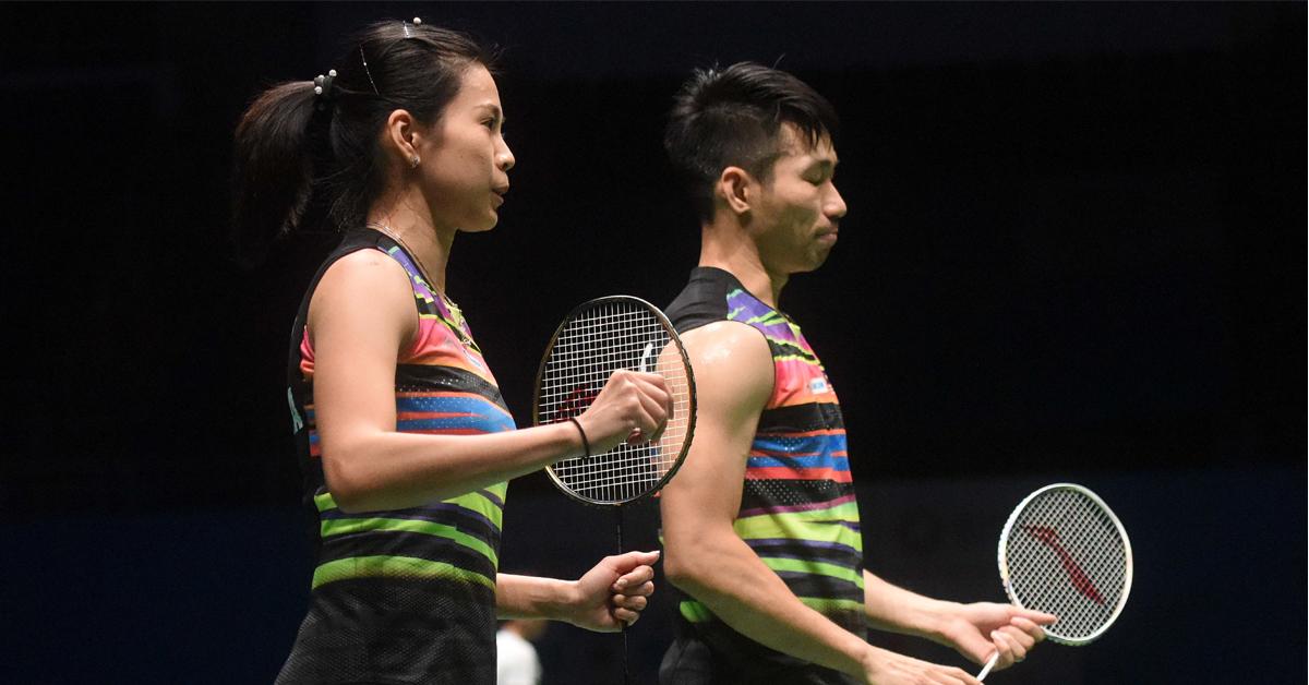 吴柳莹(左)与陈炳顺复仇晋级4强。