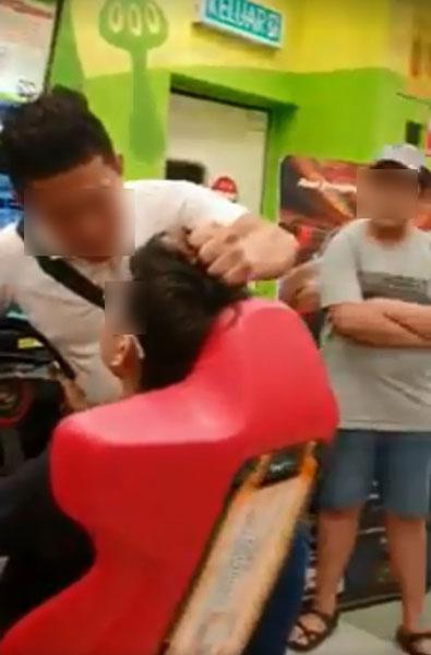 男子拉扯事主友人的頭發。