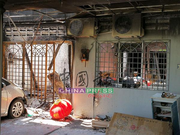 火势从客厅烧起,两名幼童当时就在客厅旁的主人房睡觉。