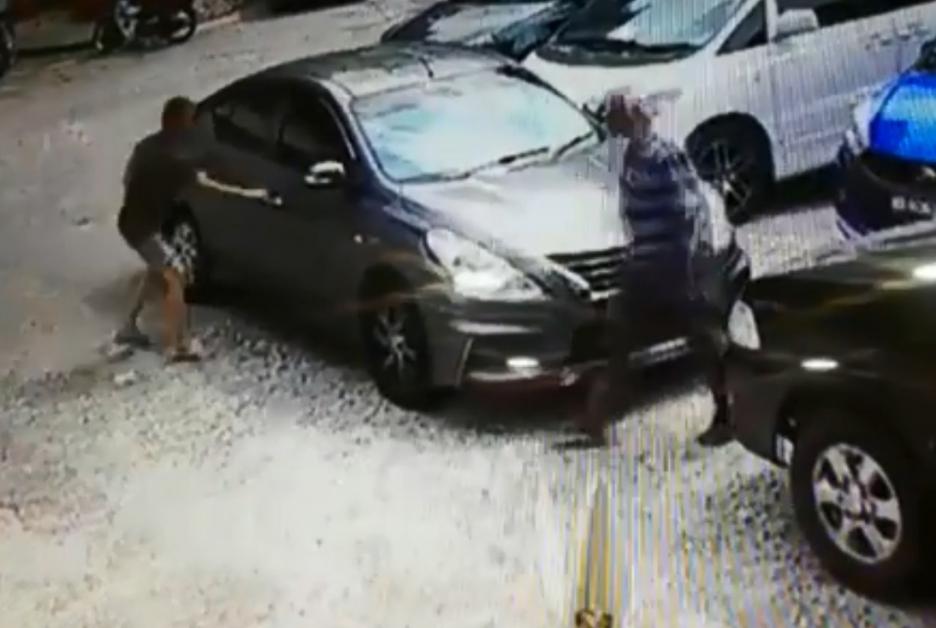 偷車賊從修車廠外偷走葉小姐的褐色日產Almera轎車,過程都被閉路電視清楚拍下。