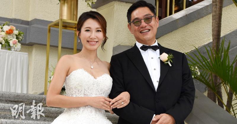 李美慧去年6月带球闪嫁曾文豪。