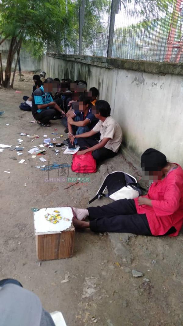 警方大规模展开扫毒行动,16小时内逮捕46名本地及外籍瘾君子及涉毒人士。