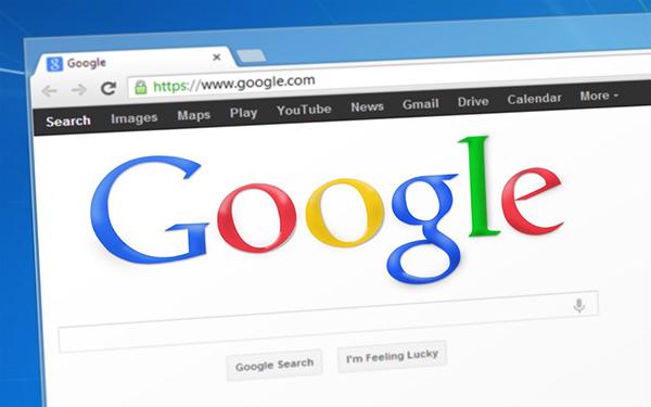 美国总统特朗普16日表示,他的政府将会调查有关Google公司被控与中国政府合作一事。
