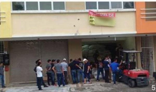 关税局及警方展开突击行动,逮捕13名贩毒集团成员。